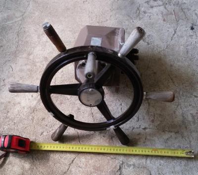 Рулевой гидравлический редуктор со штурвалом