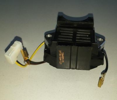 Регулятор напряжения генератора со щёточным узлом 12v