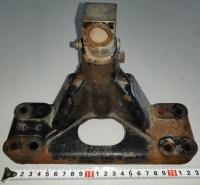 Кронштейн опоры двигателя D4.2 D3.6 D254