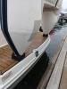Крепление надувной лодки на транец вертикально