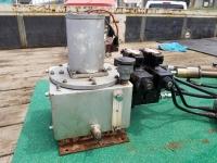 Гидростанция управления полупогружным приводом Арнесона или водомётом